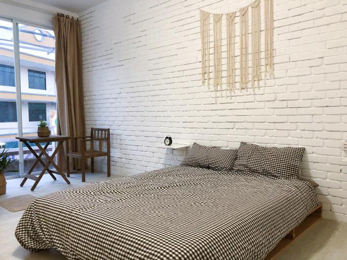 002 private balcony floor-to-ceiling window bed room Semporna Habitat hotel Jiuqi (trial opening), Semporna