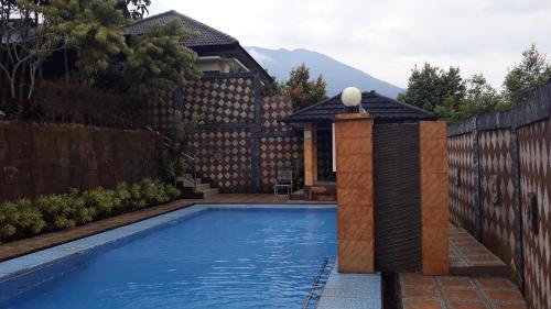 villa faher satu lokasi dengan villa kayu, Bogor