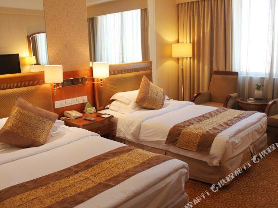 Xiongbao Hotel, Chuxiong Yi