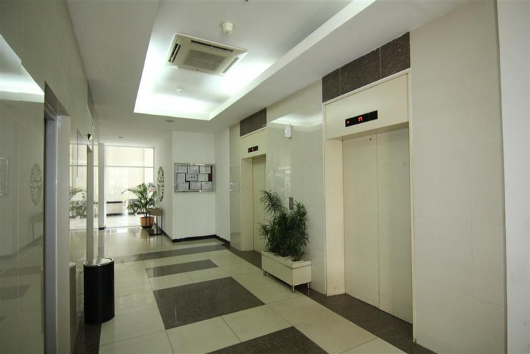 Apartemen Sentra Timur Studio  21st Fl by Cheapinn, East Jakarta
