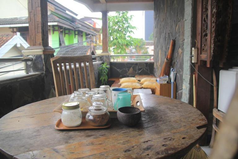 Tiffa Losmen, We Serve You, Yogyakarta