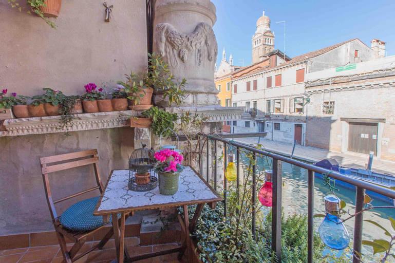 CA CAMMELLO exclusive terrace and canal view, Venezia