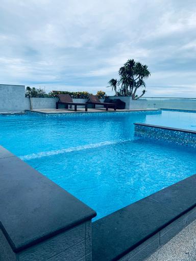 Beach 20 meters villa 4 bedrooms hot price 78 #, Pattaya