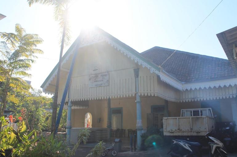 Affordable Bed just 10mins drive to Lawang Sewu, Semarang