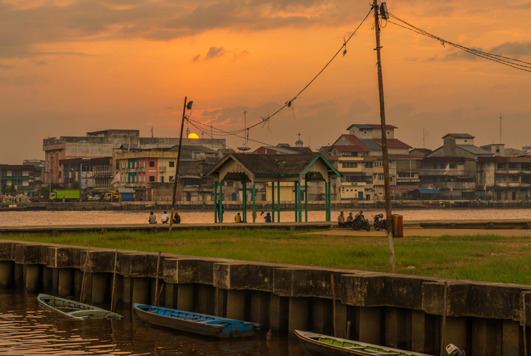 Cosy cheap home stay Pontianak, Pontianak