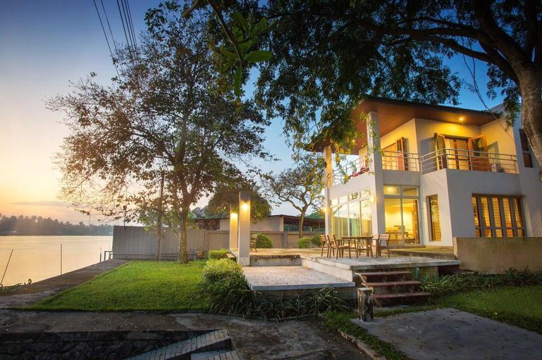 Amphawa riverside home, Bang Khon Ti