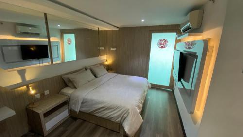 The Panoramic Duplex Maritime Suite, Penang Island