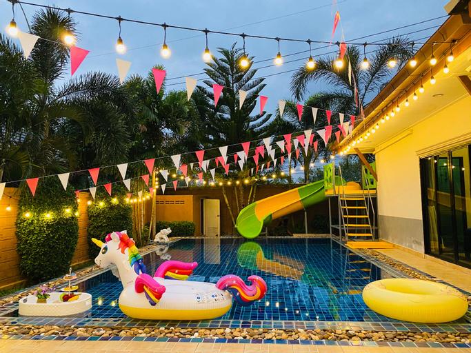 Party 027 Pool Villa, Pattaya