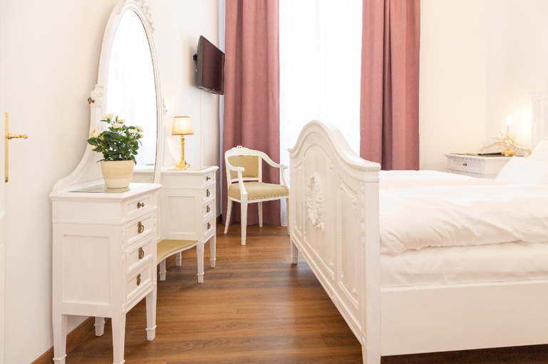 Romantic central apartment for 2 in Bad Ischl, Gmunden
