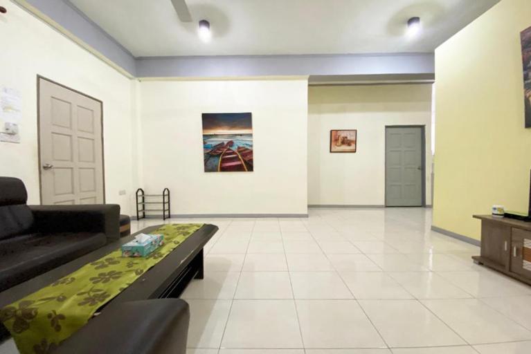 OYO 90212 Anna Kota Apartment, Semporna
