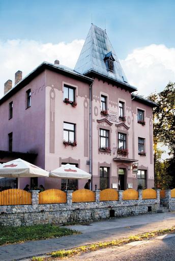 Hotel Grand, Praha - západ
