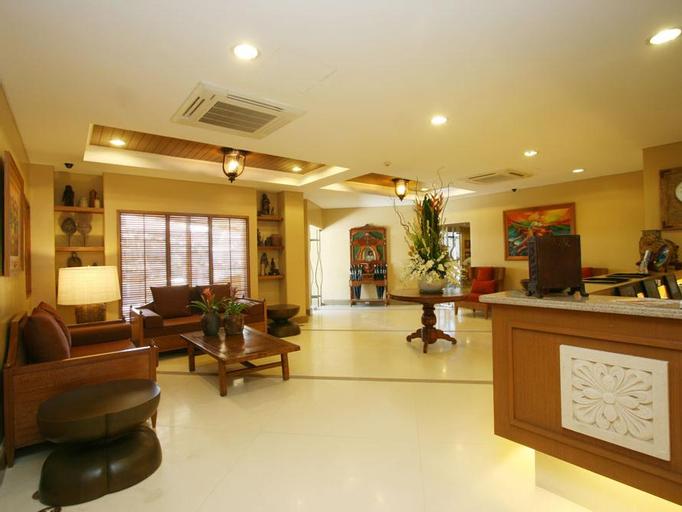 Crown Regency Prince Resort, Malay