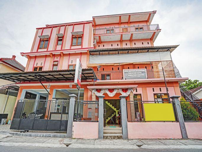 OYO 90199 JEC Residence Syariah, Kediri