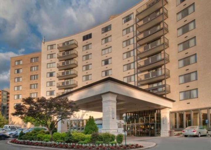 Clarion Collection Hotel Arlington Court Suites, Arlington