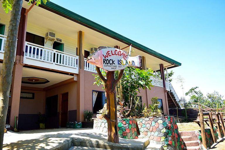 Enchanted River Rock Island Resort, Hinatuan