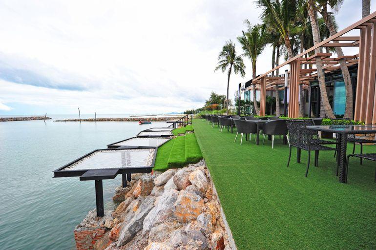 Eco Moment Beach Resort, Ban Laem