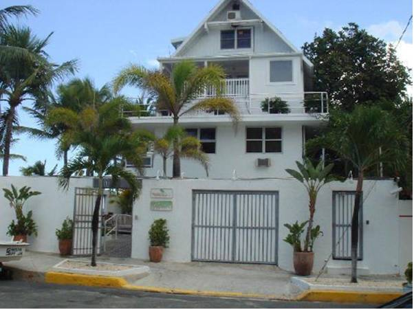 Numero Uno Beach House,