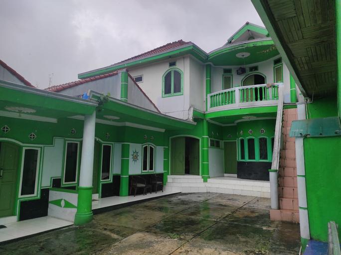 SPOT ON 90526 New Bunga Sonsang Homestay Syariah, Padang