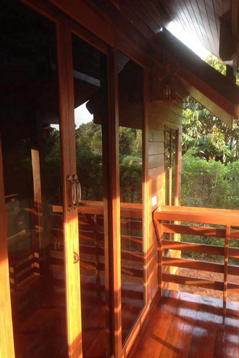 Check In & Chill Out Laem Sok Pier, Muang Trat