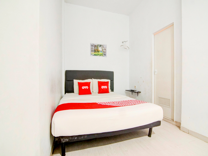 OYO 90310 H Residence, Central Jakarta