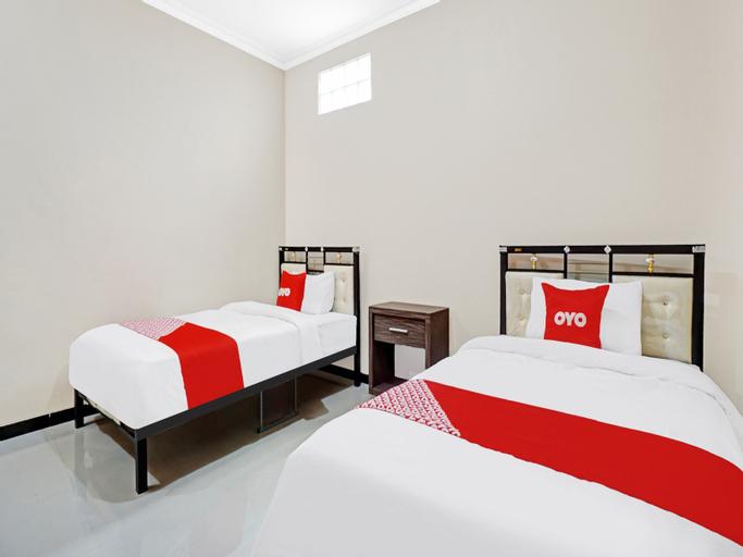 OYO 90383 Avisha Guest House Syariah, Malang