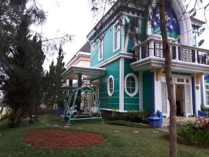 Zevannya Villa Victorian Kota Bunga, Bogor