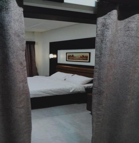 Fort Line Hotel, Dera Ghazi Khan