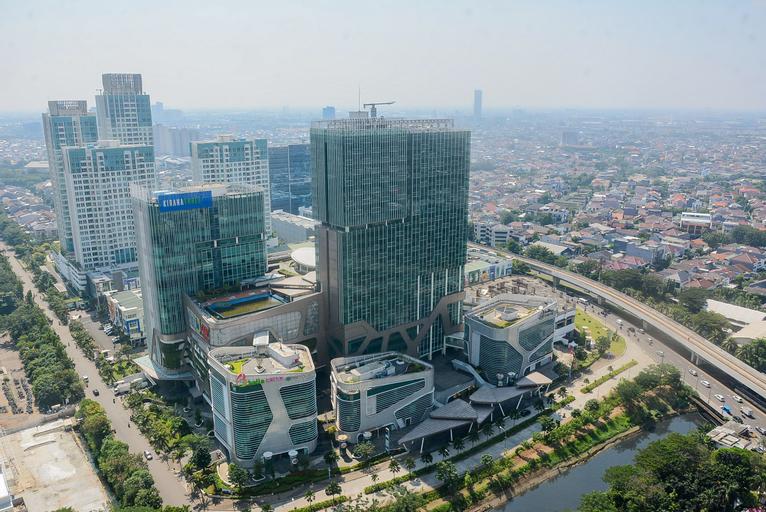 Comfort with City View Studio Tifolia Apartment By Travelio, East Jakarta