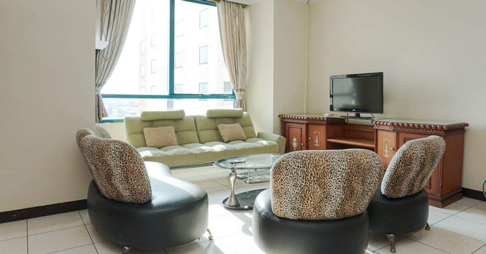 Modern Elegant and Good 3BR at Pangeran Jayakarta Apartment By travelio, Central Jakarta
