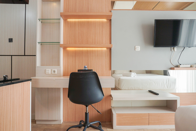 Modern Studio with City View Amethyst Apartment By Travelio, Central Jakarta