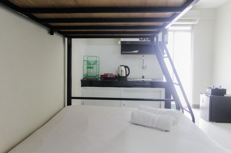 Comfort Studio Pluit Sea View Apartment By Travelio, North Jakarta
