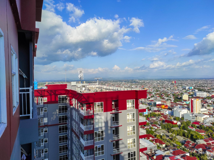 Homey and Comfy 2BR at Vida View Apartment By Travelio, Makassar