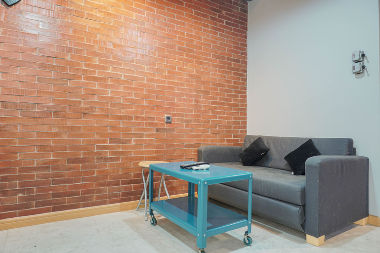 Luxurious 1BR Apartment at Belmont Residence By Travelio, West Jakarta