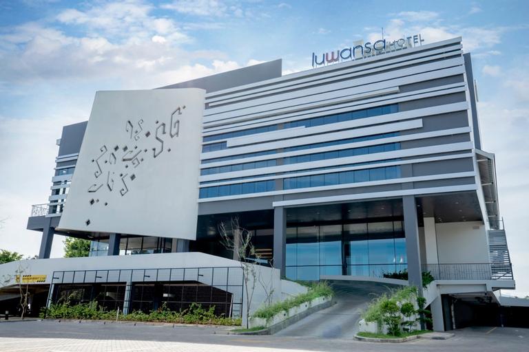 Luwansa Hotel and Convention Center Manado, Manado