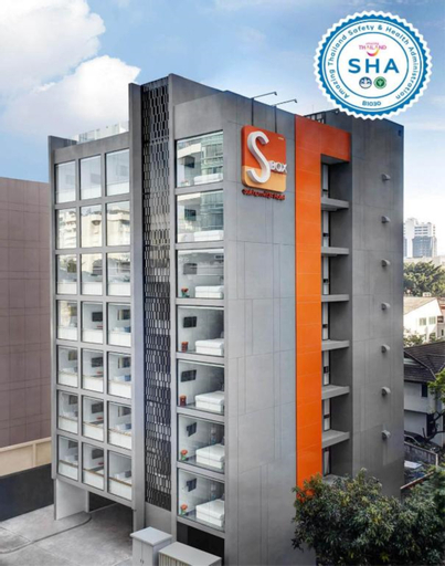 S Box Sukhumvit Hotel, Wattana