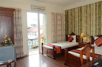 Trung Nam Hai Hotel, Hoàn Kiếm