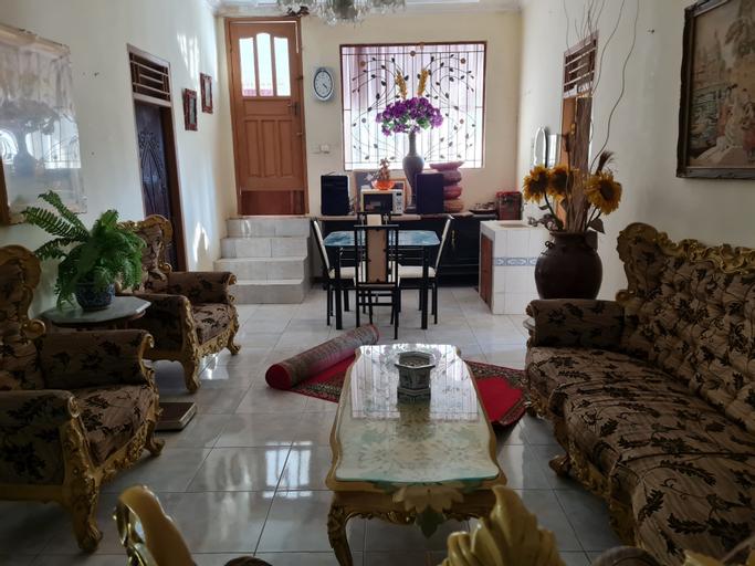 Villa Bukit Zaitun Puncak, Bogor