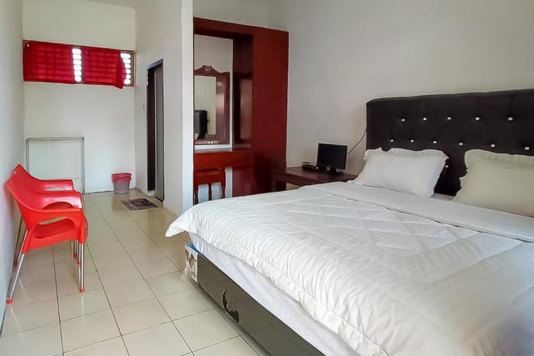Bernard Guest House & Resto, Samosir