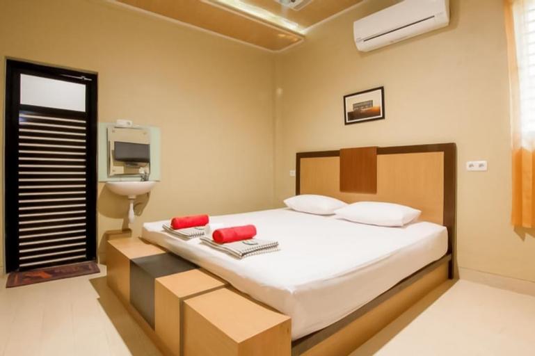 Padang Guest House, Padang