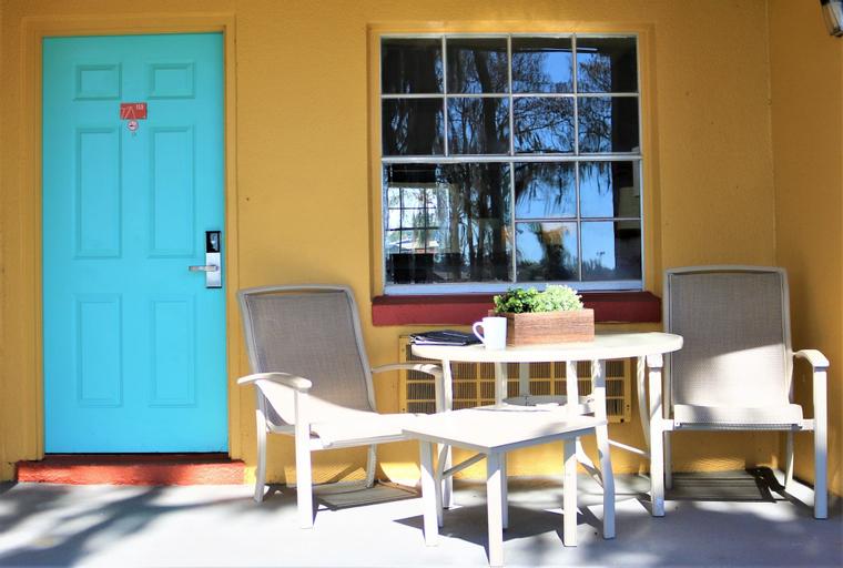 Howard Johnson by Wyndham Lake Front Park Kissimmee, Osceola