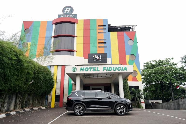 Sans Hotel Fiducia Serpong, Tangerang