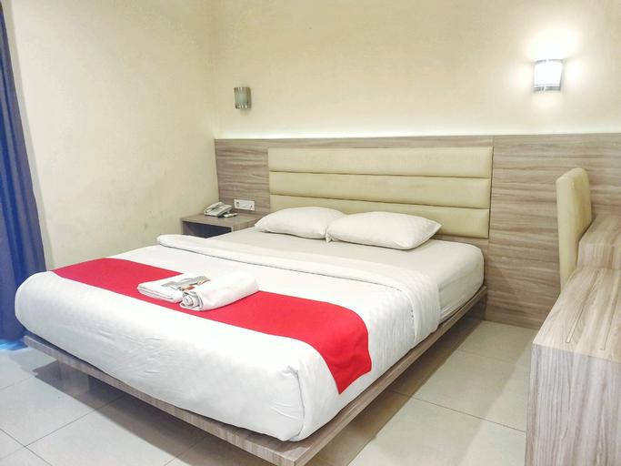 OYO 90608 Hello Hotel, Semarang