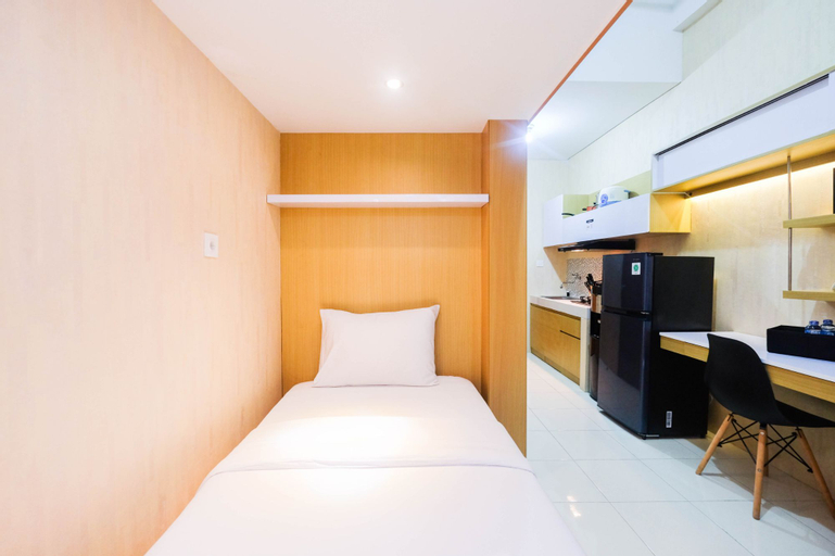Fully Furnished Studio with Comfortable Design Dave Apartment By Travelio, Depok