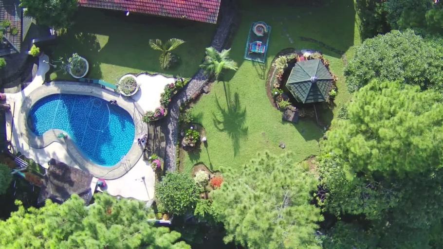 Fourty Six Valley Villa 4BR - Near Taman Safari, Bogor