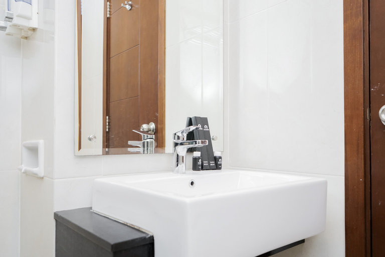 Strategic and Cozy Studio Apartment at Capitol Park Residence By Travelio, Central Jakarta