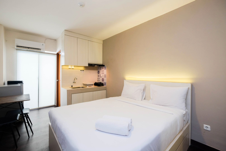 Cozy Living Studio Room at Cinere Resort Apartment By Travelio, Depok