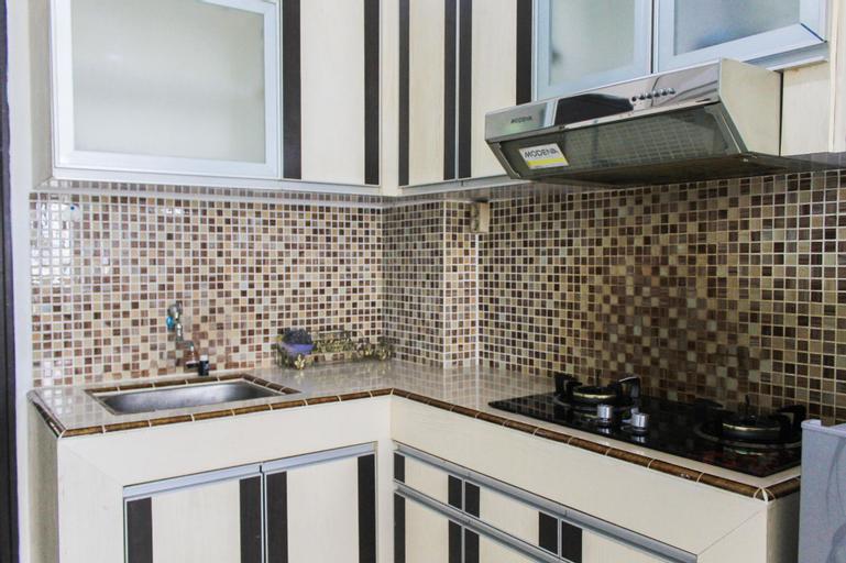 Best Price 1BR+1 at Menara Latumenten Apartment Grogol By Travelio, West Jakarta