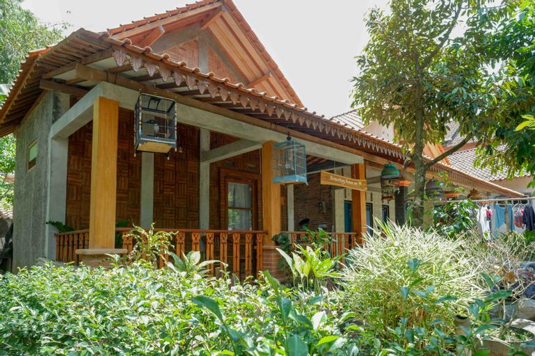 Griya Borobudur Villa Syariah Magelang at Desa Wisata Gopalan, Magelang