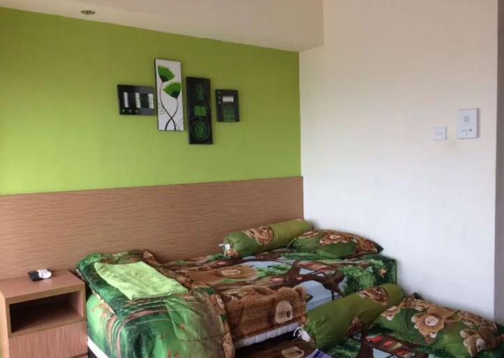 Clean Studio Room at Taman Margonda Apartment Near University of Indonesia Depok, Depok