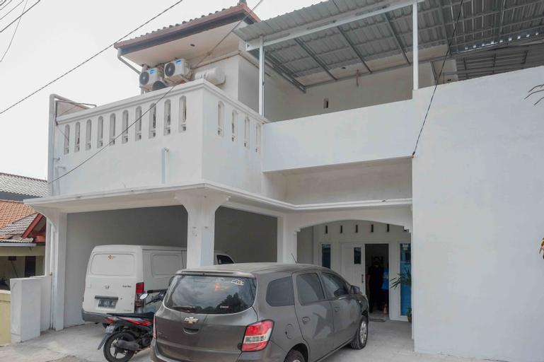 RedDoorz near GOR Jatidiri Semarang, Semarang